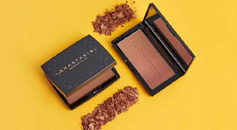 How to Apply a Bronzer for Dark Skin